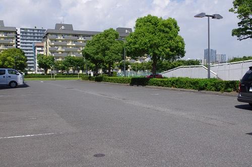 辰巳の森公園駐車場